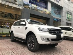 FORD EVEREST TITANIUM 2.0 4X2 AT